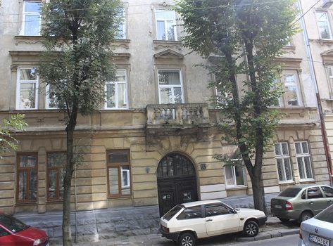 Квартира по вул. Єфремова
